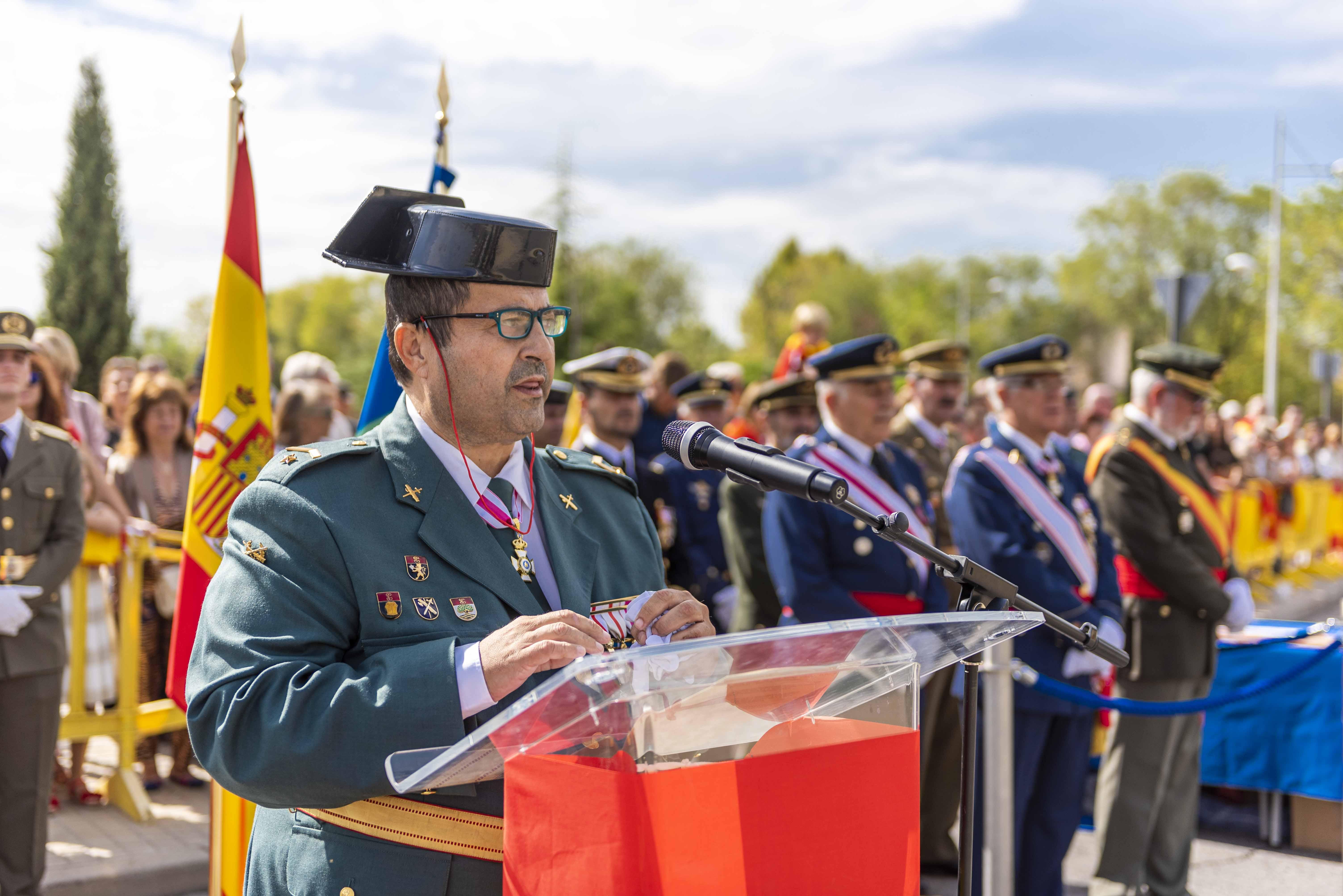 El subteniente de la Guardia Civil, José Antonio García durante su intervención
