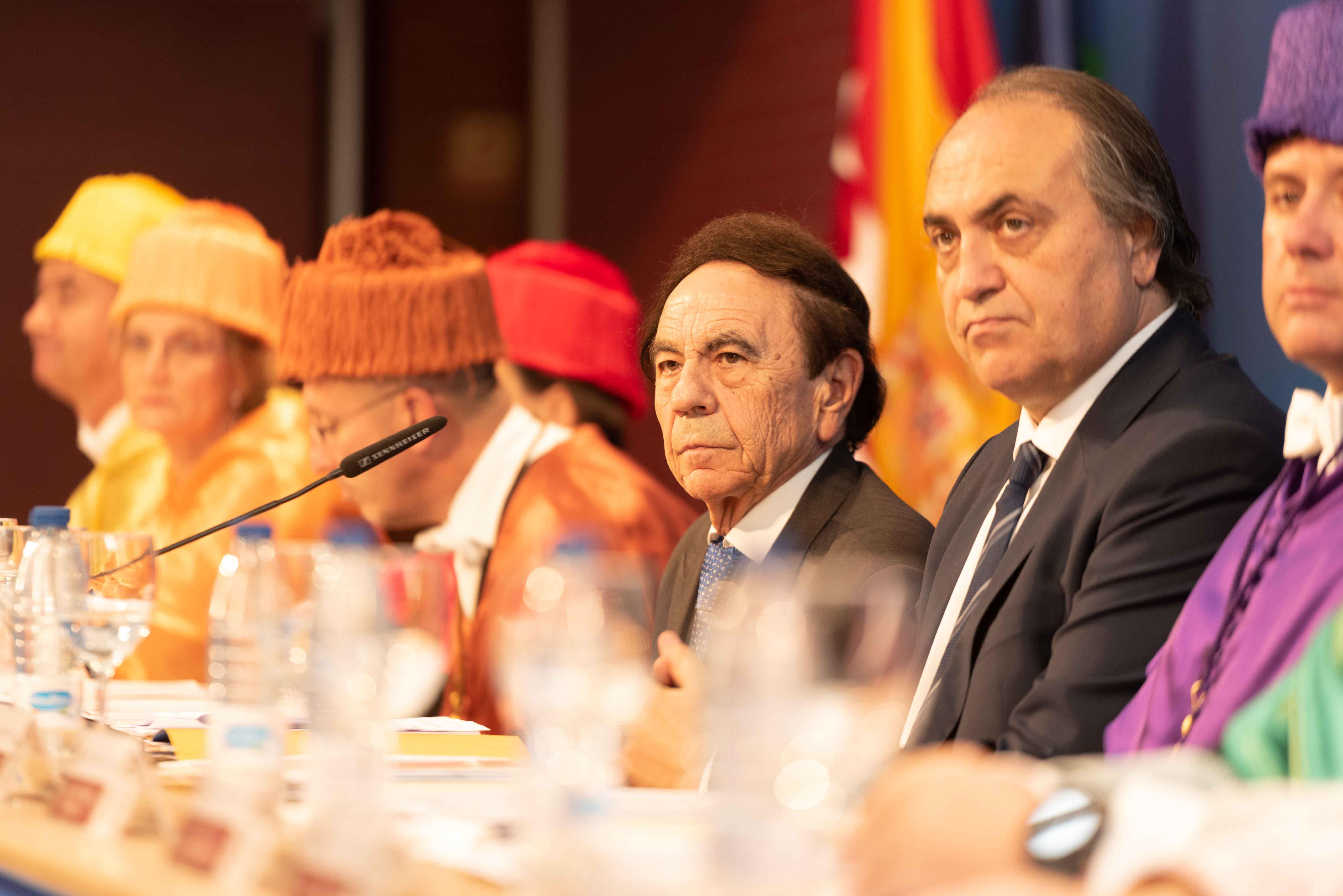 El presidente de la UAX y el presidente del Consejo General de Colegios Veterinarios