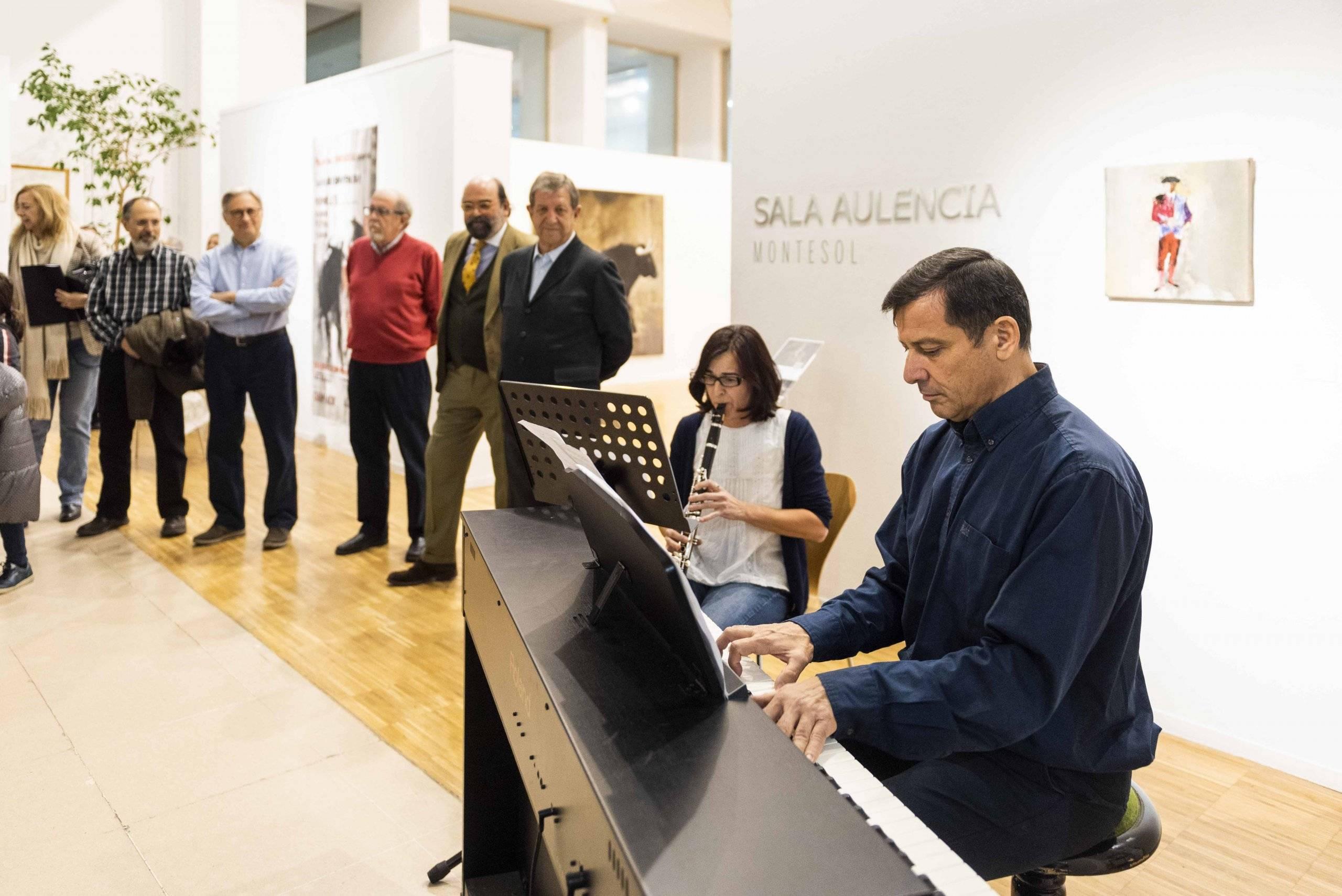 Actuación a cargo de la Escuela Municipal de Música.