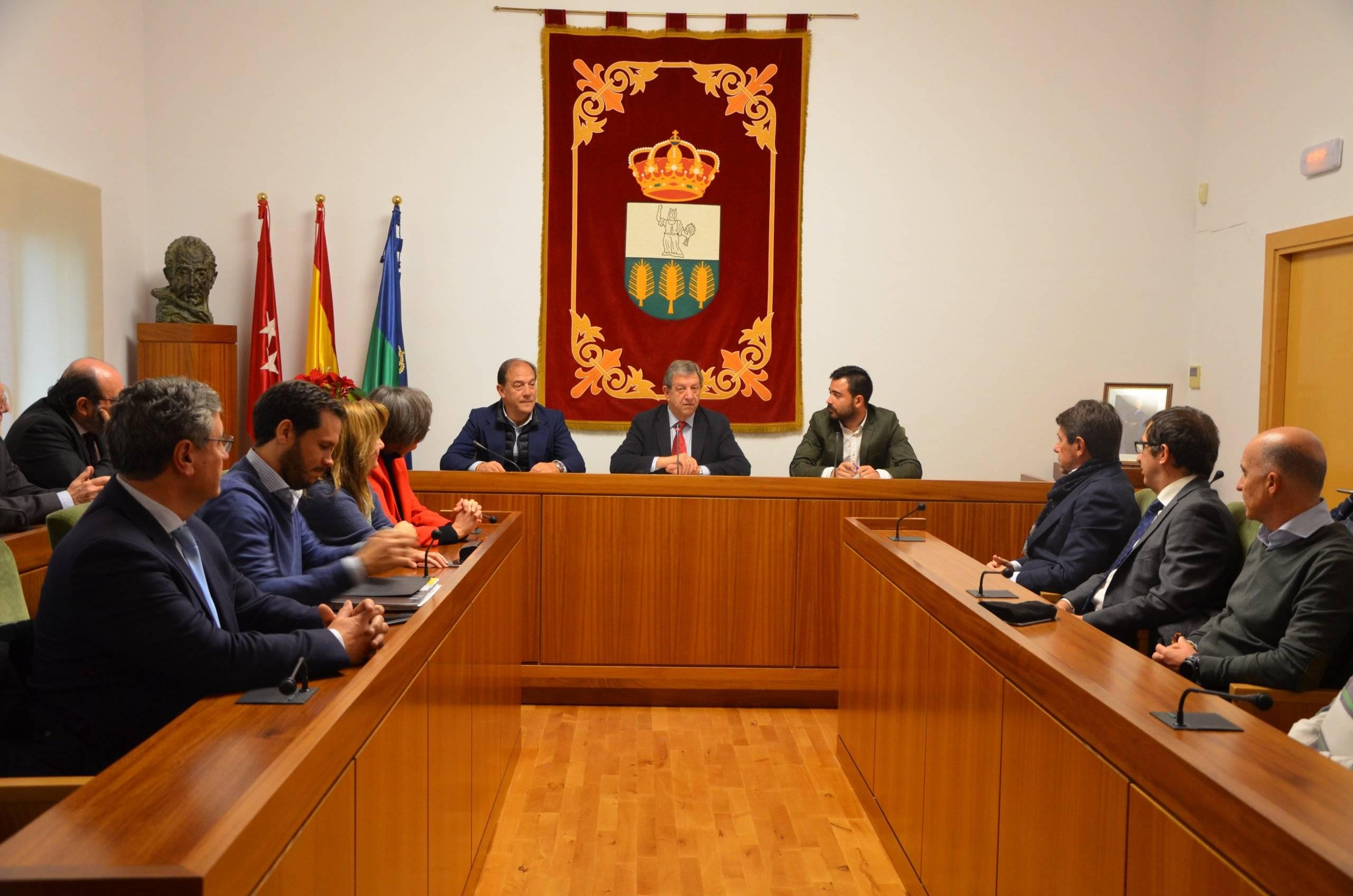 El acto de entrega ha tenido lugar en el Salón de Plenos del Ayuntamiento.