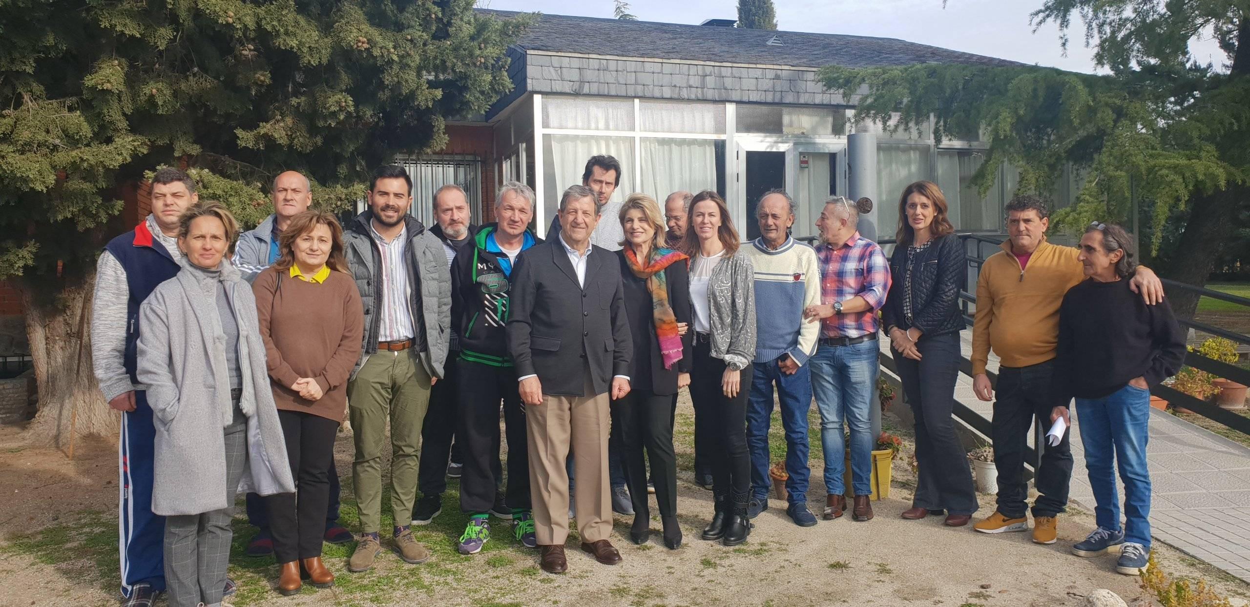 Autoridades locales en el Centro Padre Arrupe que la Fundación Padre Garralda- Horizontes Abiertos tiene en Villanueva de la Cañada.