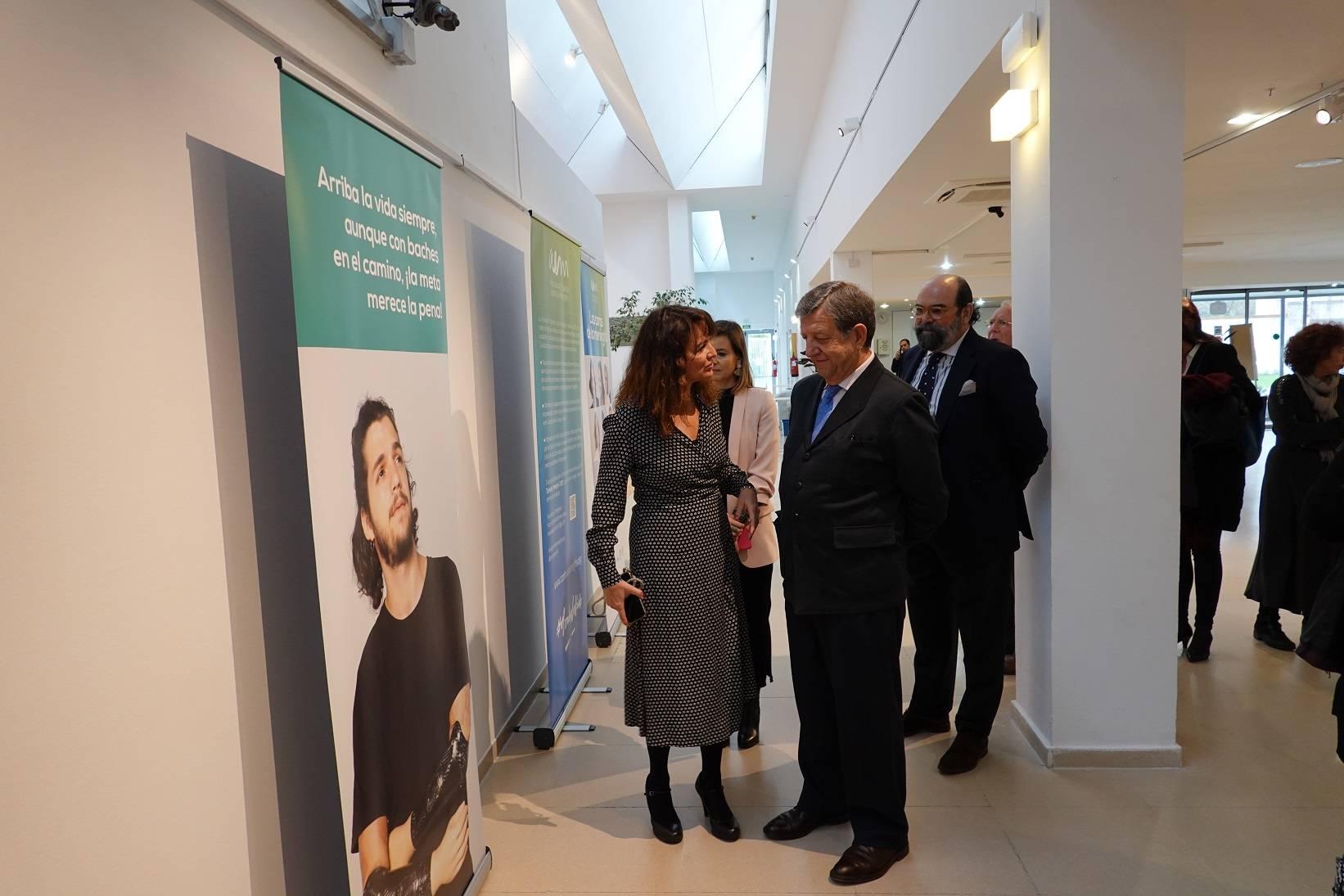 Uno de los momentos de la inauguración de la exposición.