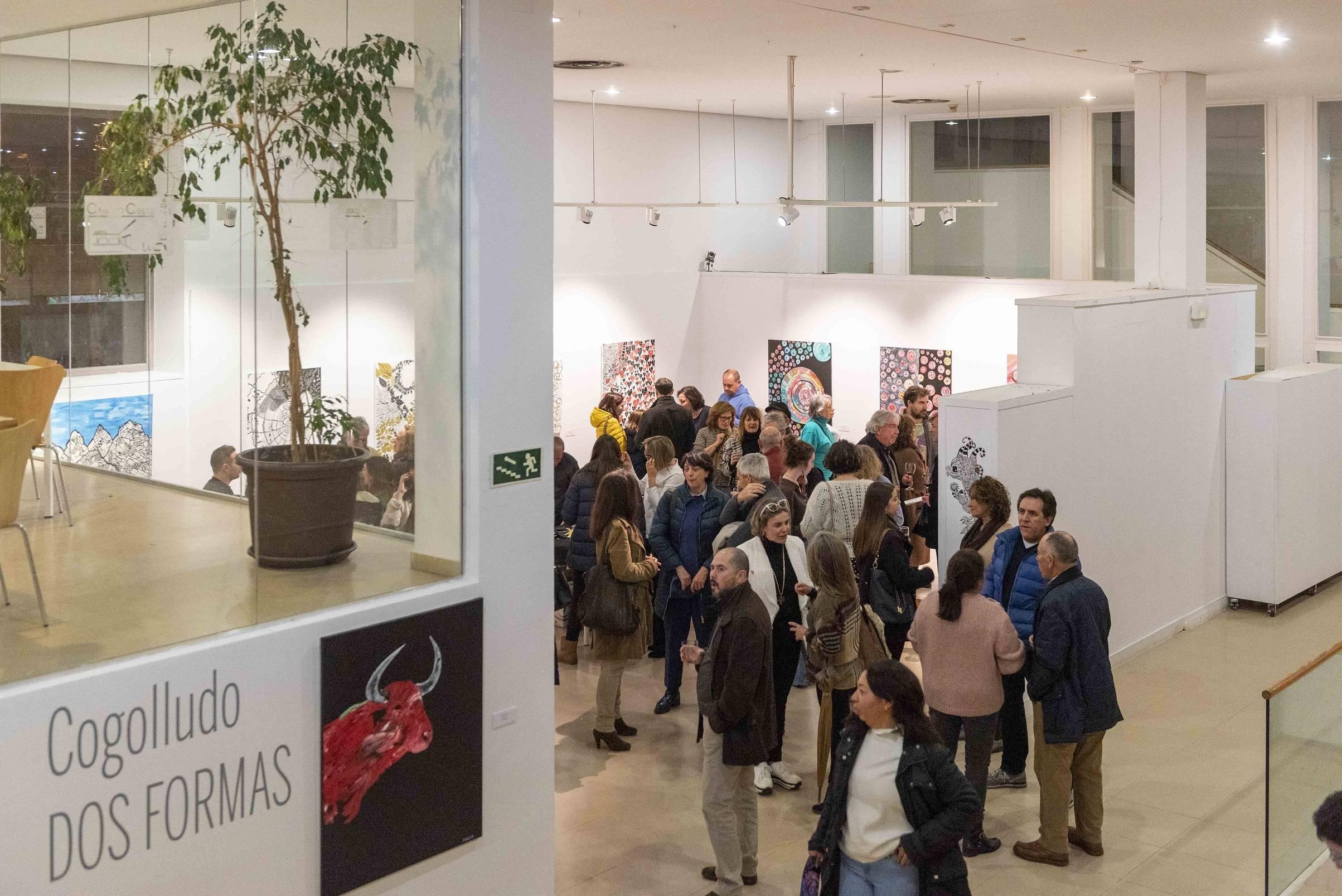 Foto de uno de los momentos de la inauguración de las exposiciones.