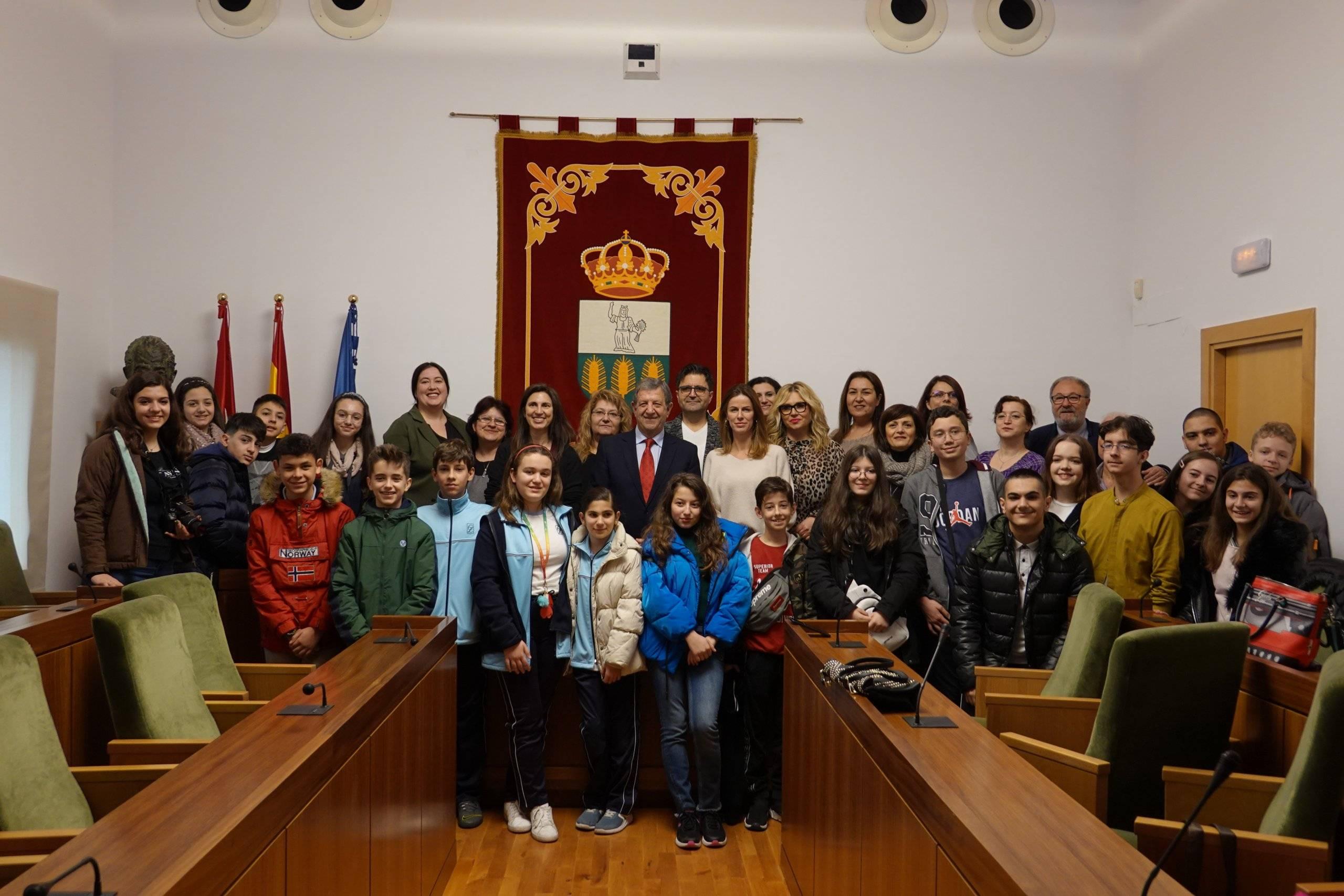 Foto de familia con alumnos y profesores participantes en el proyecto.