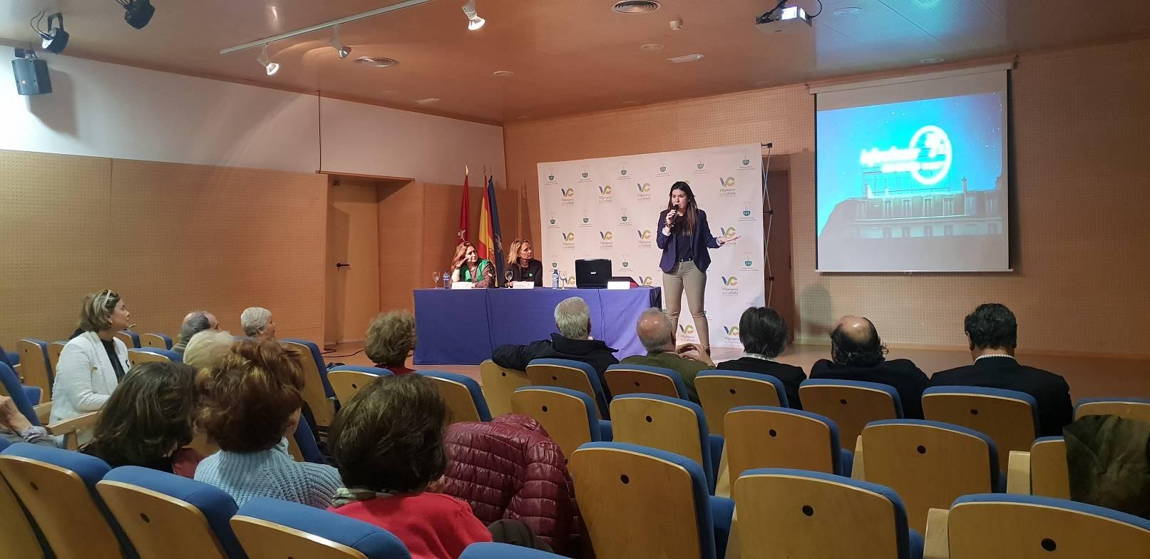 La doctora Estíbaliz García, durante la conferencia impartida.