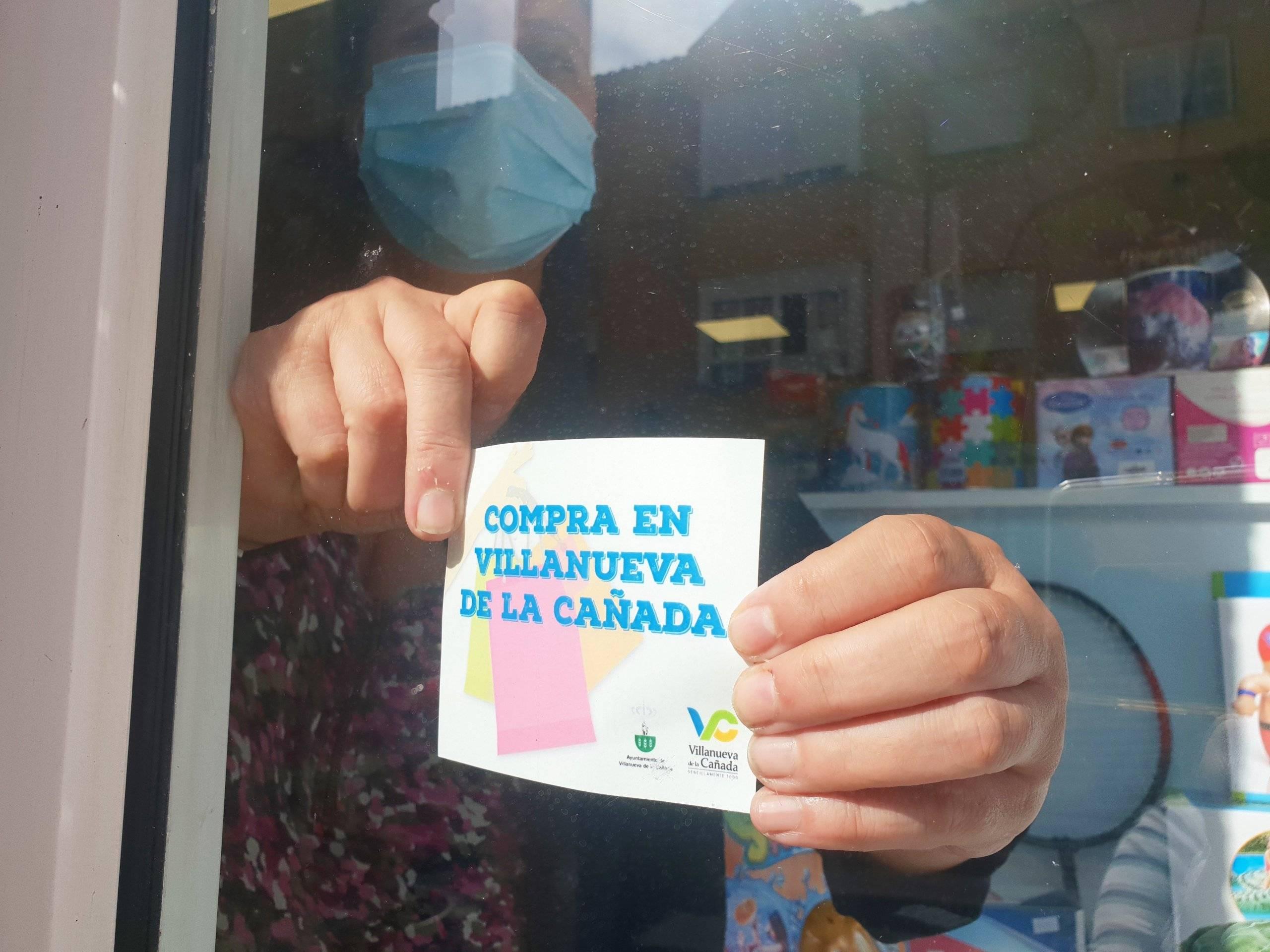 Cartel a la entrada de uno de los comercios villanovenses.