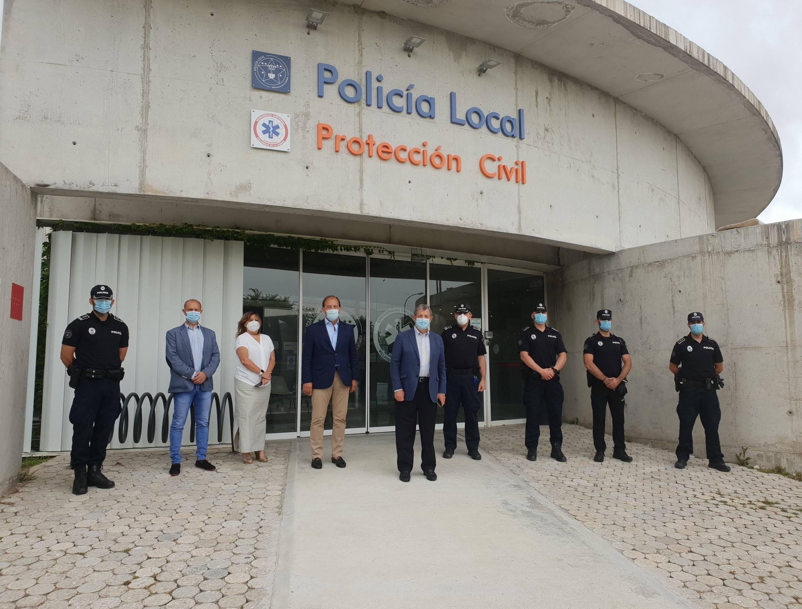Autoridades en las dependencias de Policía Local.