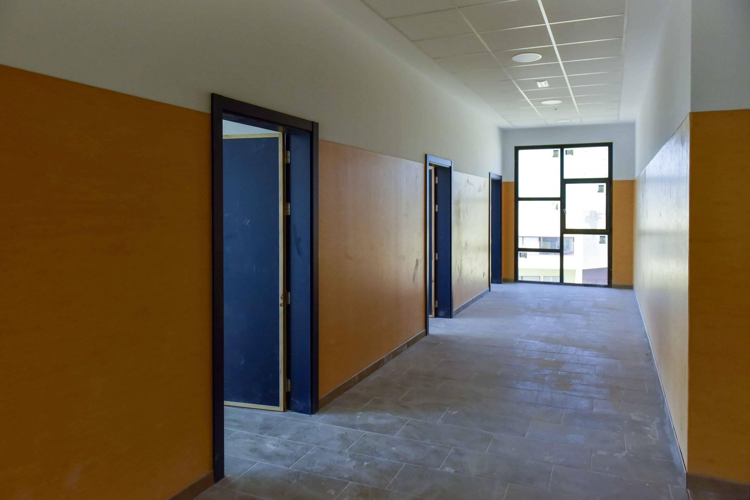 El centro educativo durante las obras.