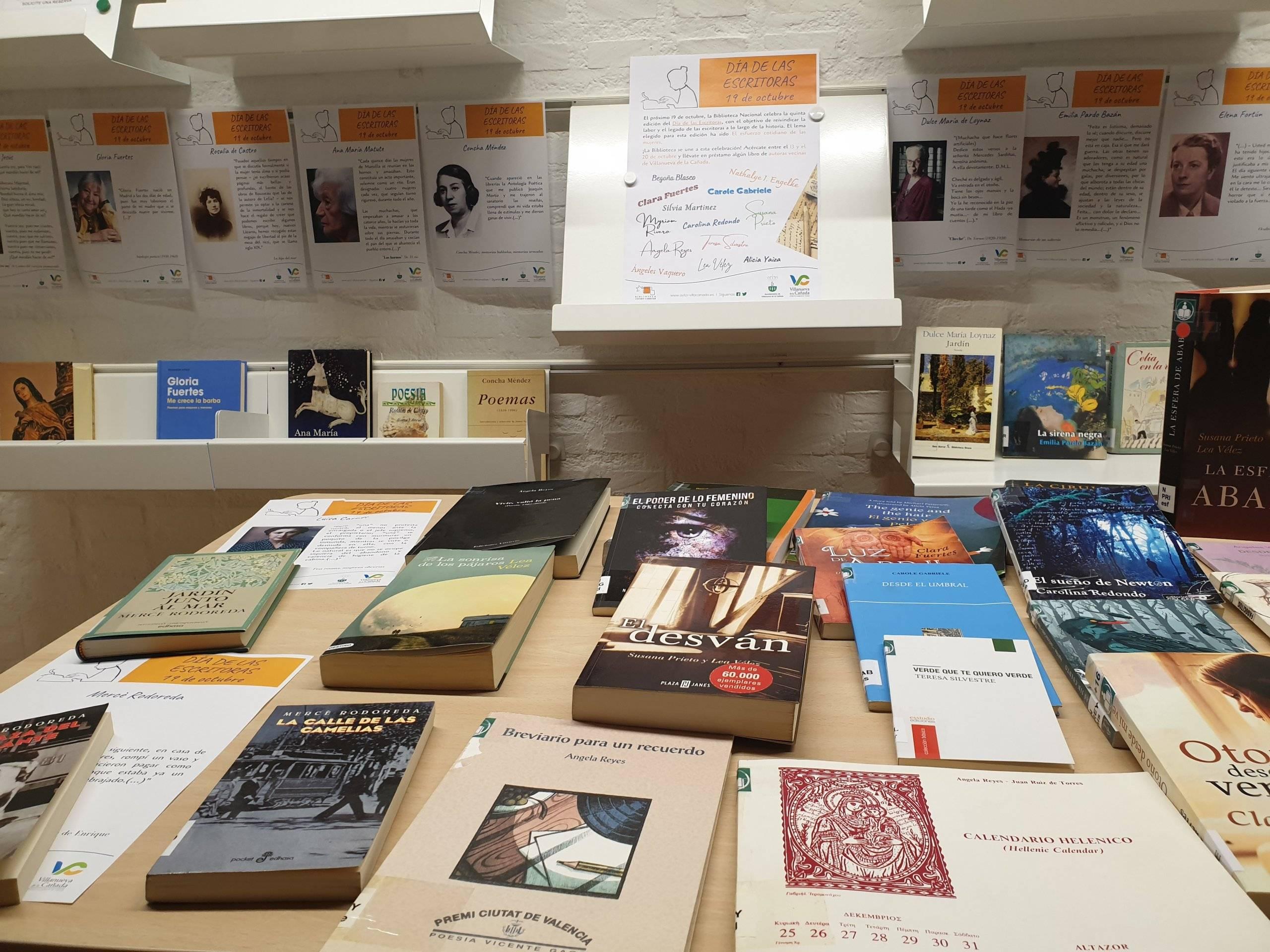 Exposición obras de las escritoras locales.
