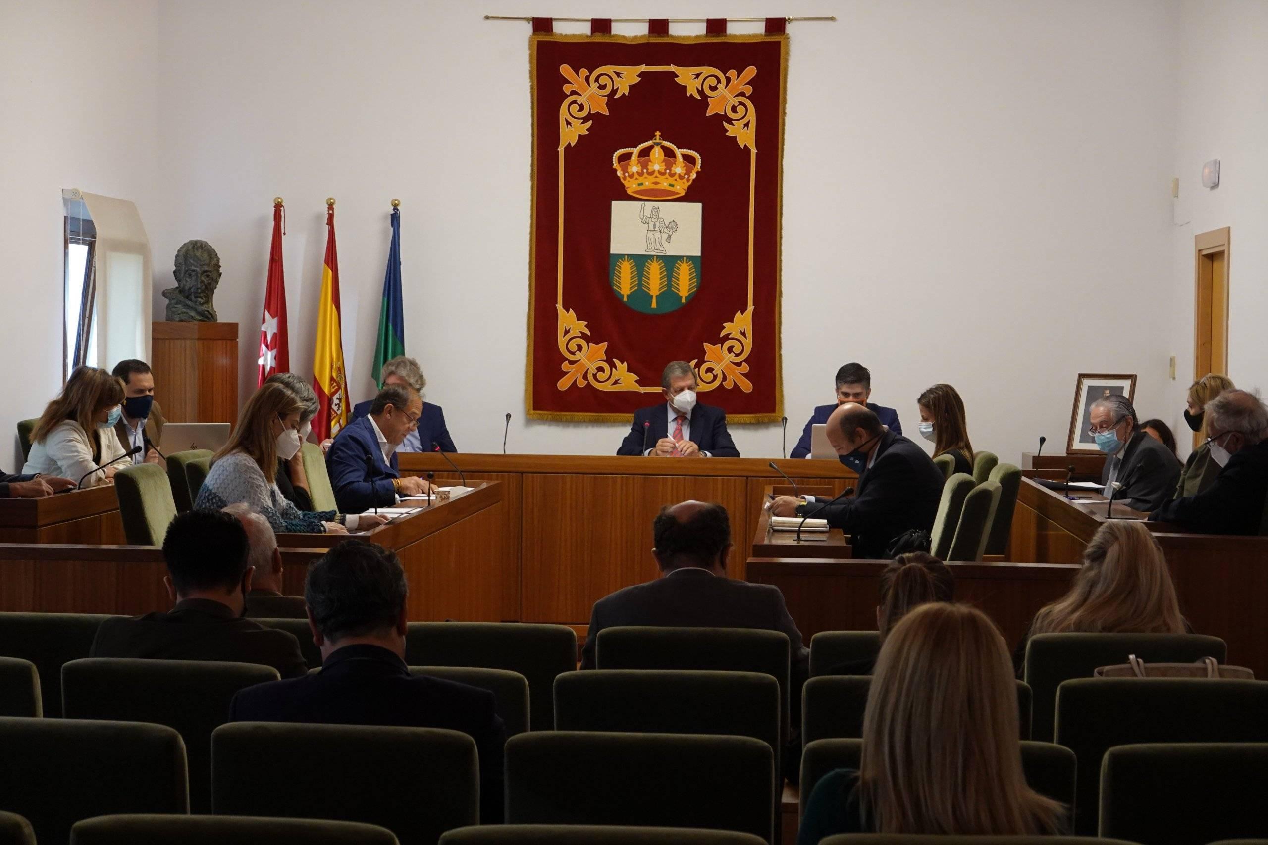 Miembros de la Corporación Municipal durante el Pleno.