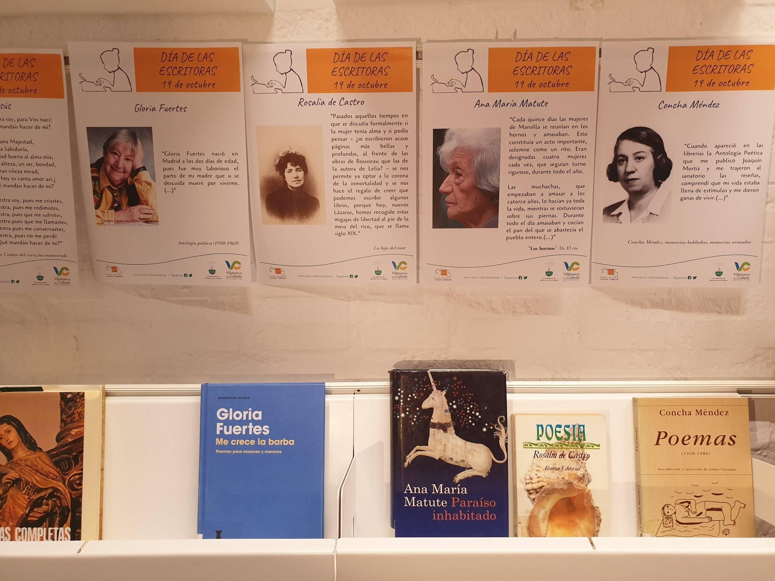Detalles de la exposición bibliográfica con motivo del Día de las Escritoras.