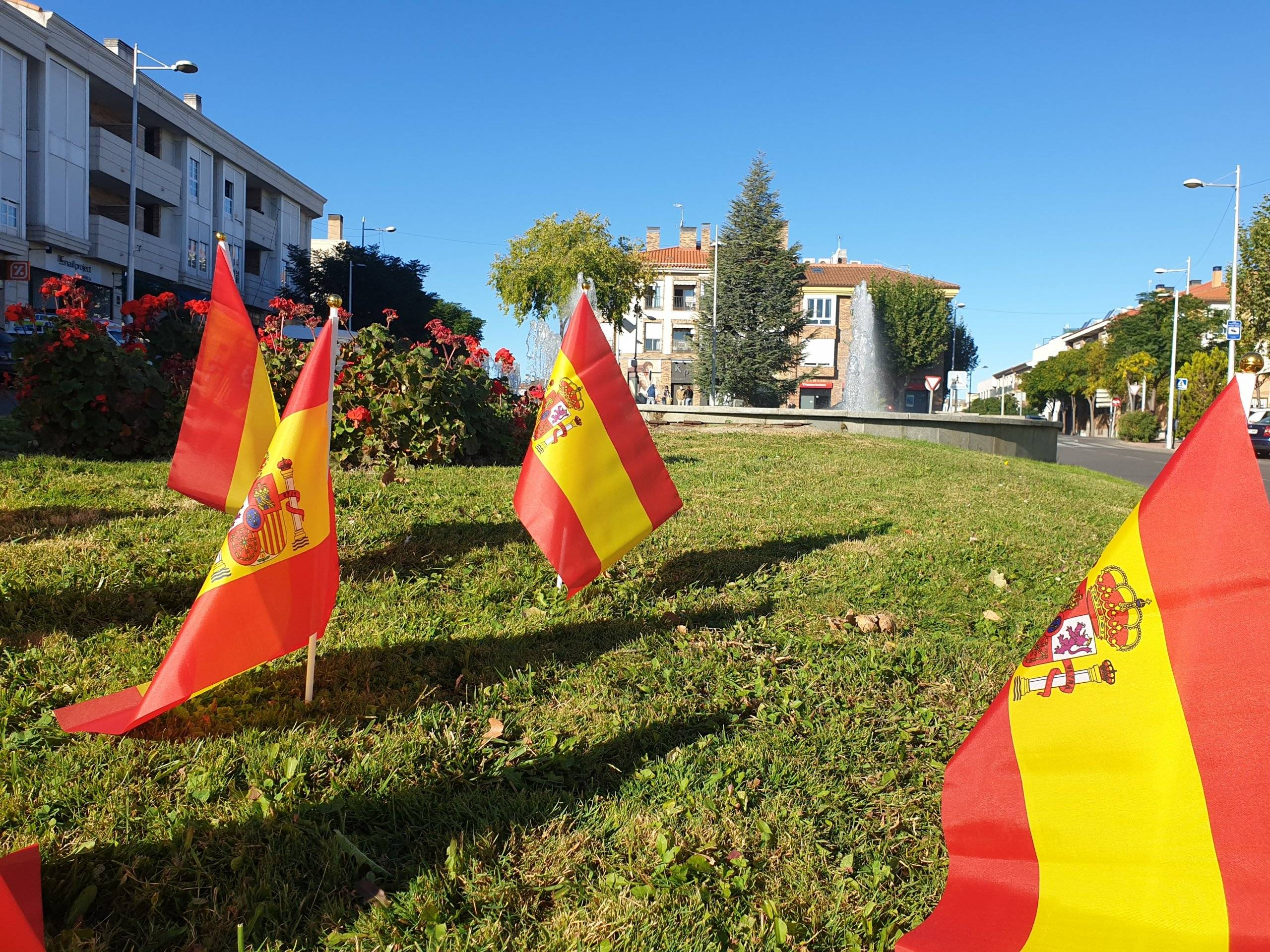 Banderas de España en la calle Cristo.