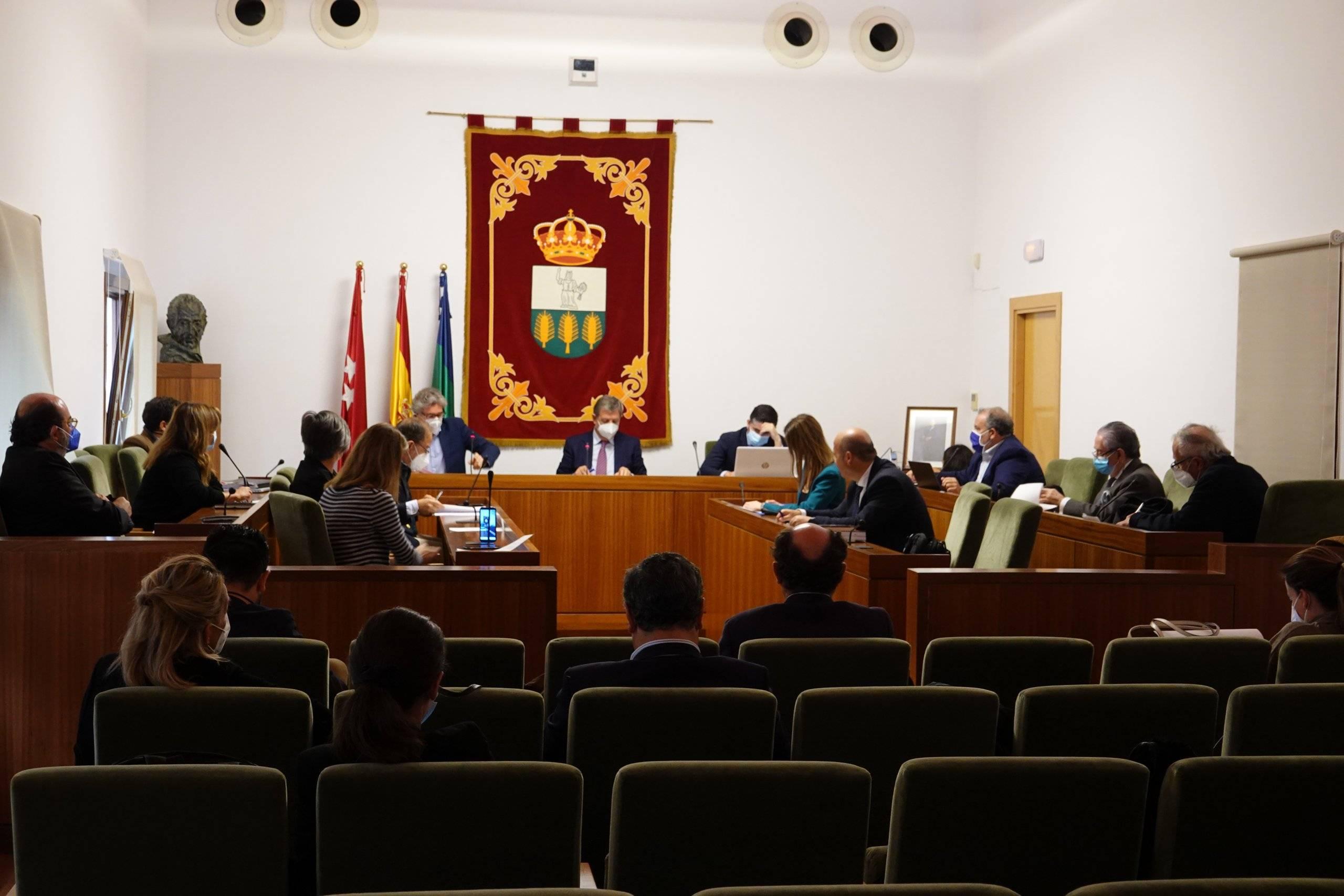 Miembros de la Corporación municipal en el Pleno.