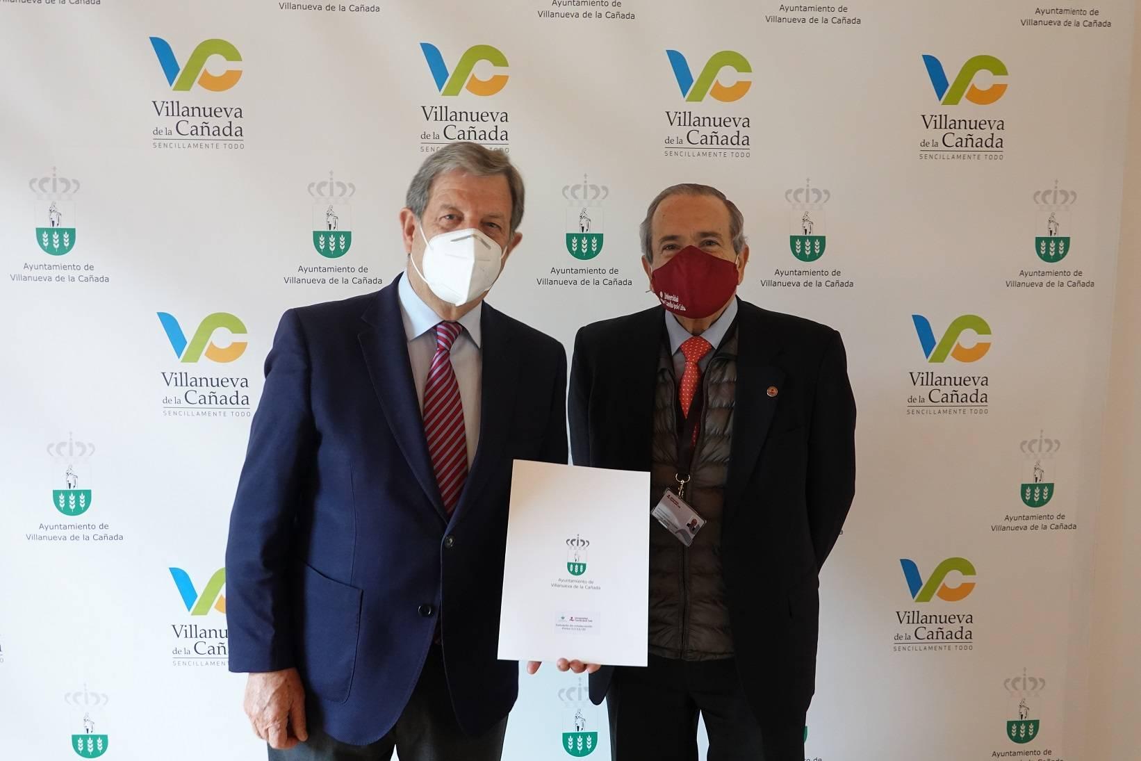 El alcalde, Luis Partida, y el rector de la UCJC, Emilio Lora-Tamayo.
