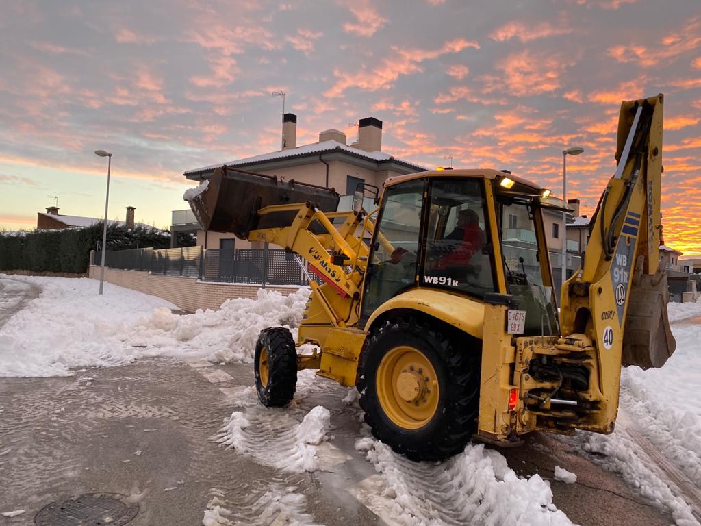 Una de las máquinas realizando las labores de retirada de nieve.