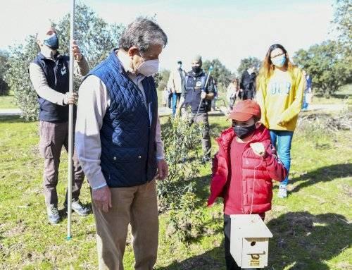 Cajas nido para aves en espacios naturales del municipio
