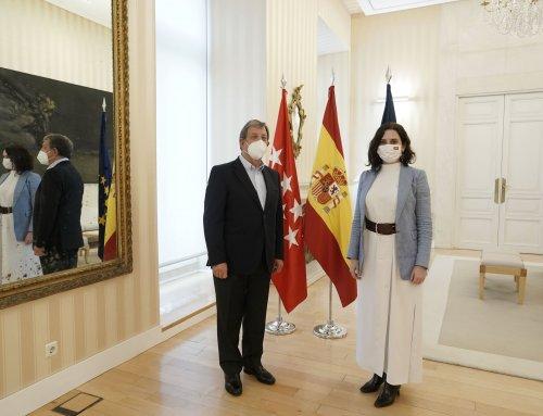 Reunión de trabajo con la presidenta de la Comunidad de Madrid