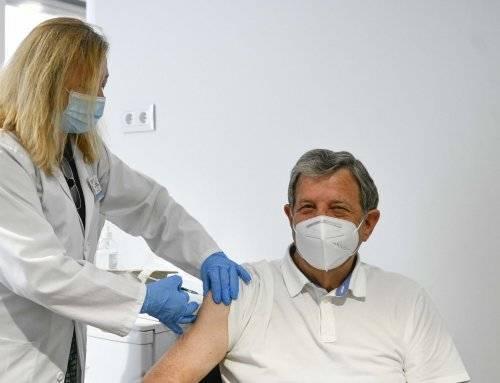 El alcalde se vacuna contra el coronavirus