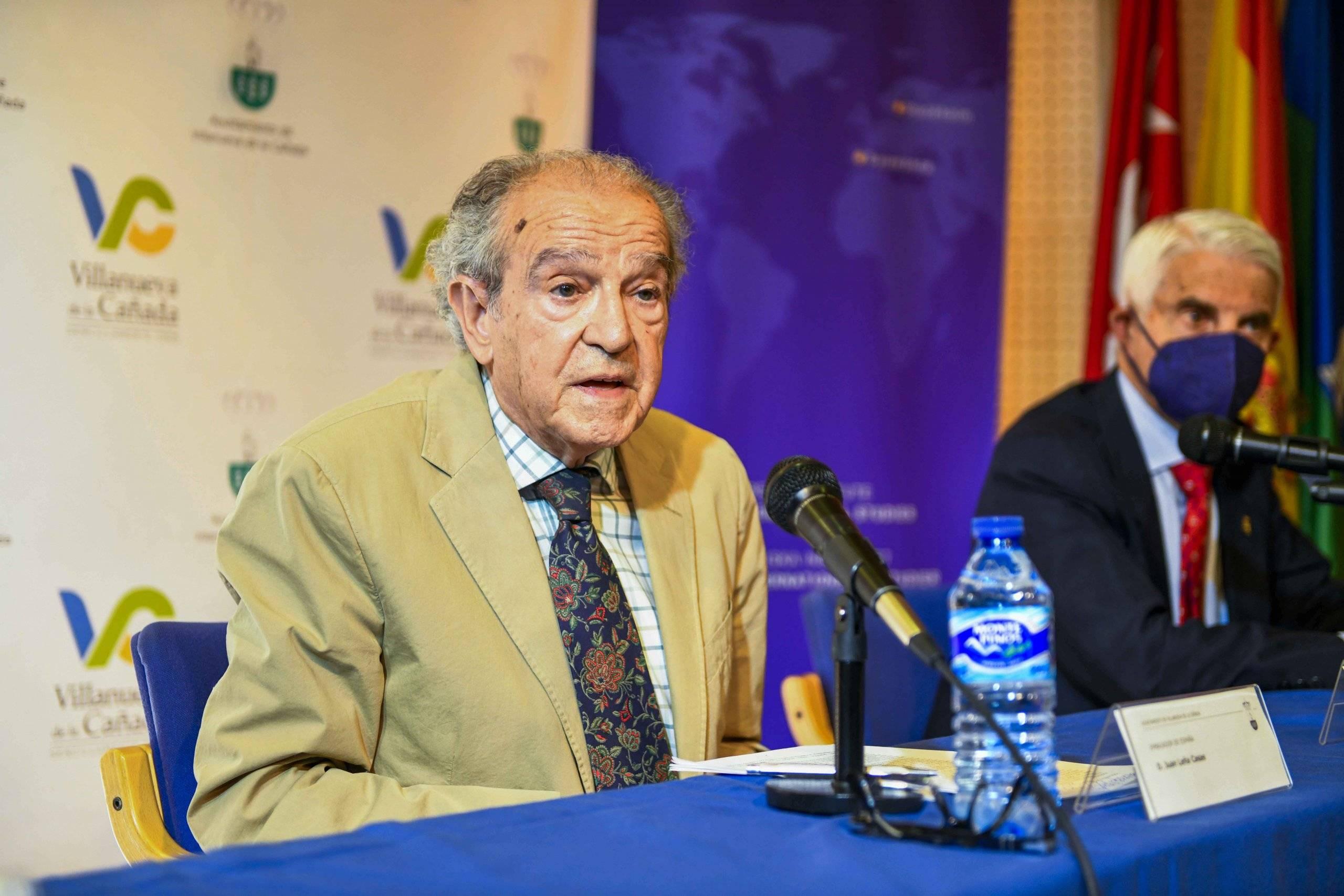 Juan Leña Casas, embajador de España, en uno de los momentos de la ponencia.