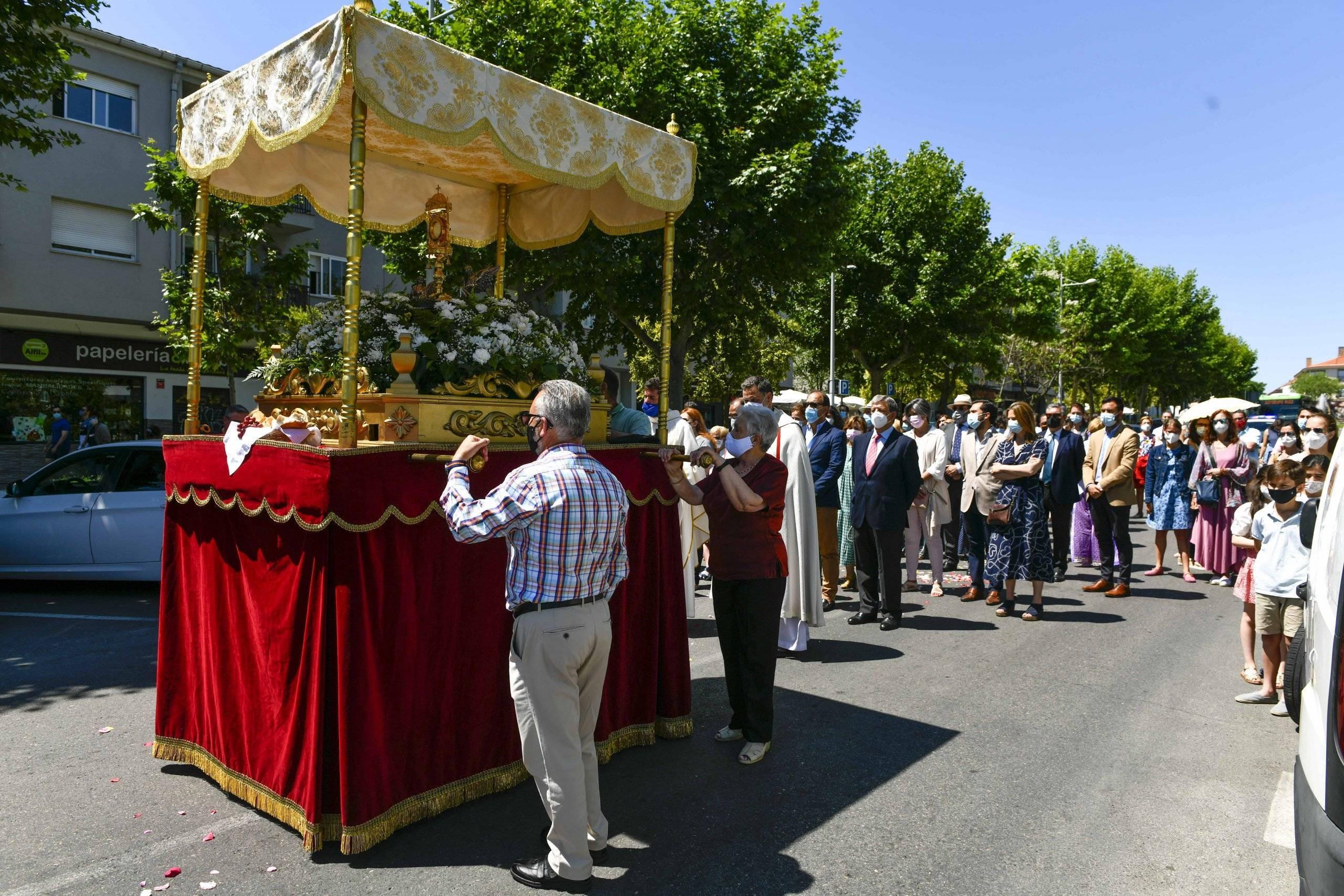 Procesión del Corpus Christi en la calle Cristo.