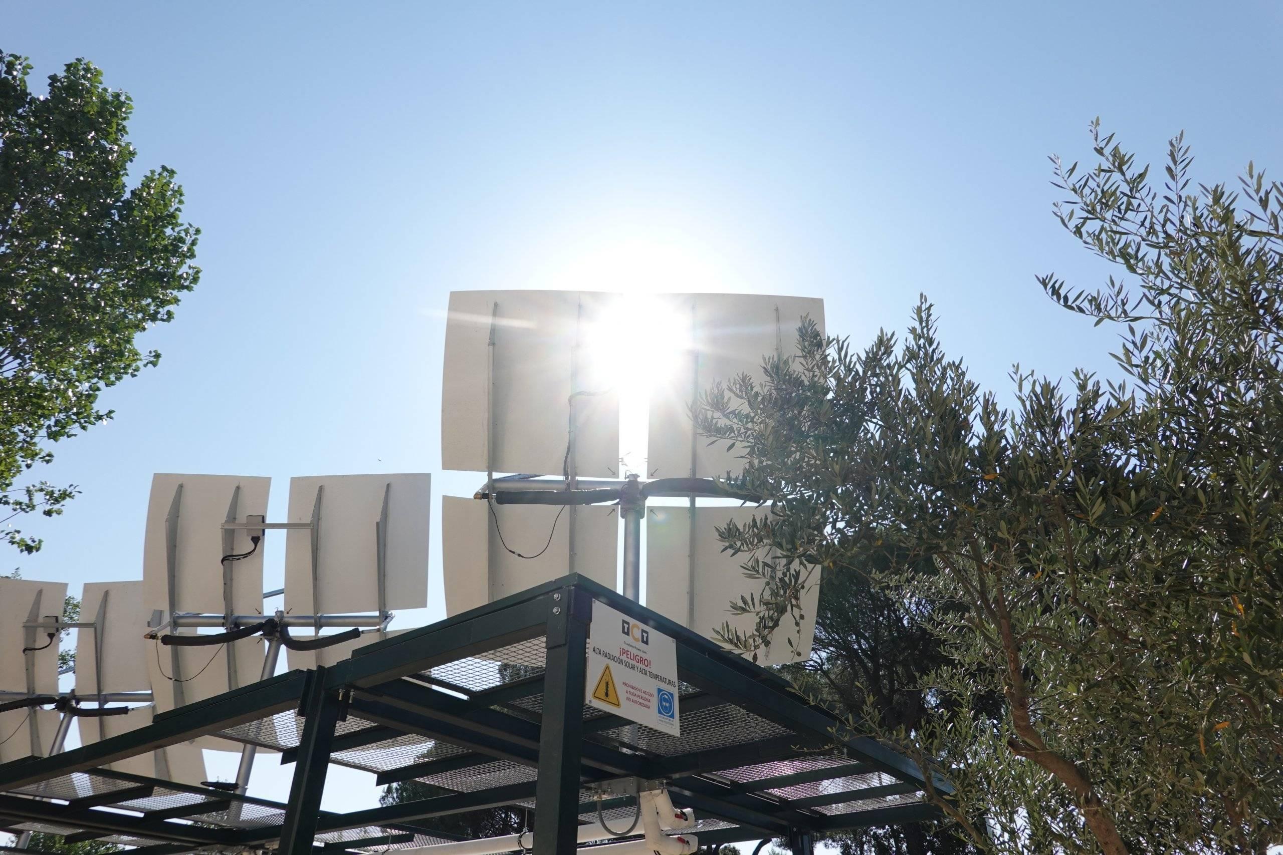 Imagen de los concentradores solares.