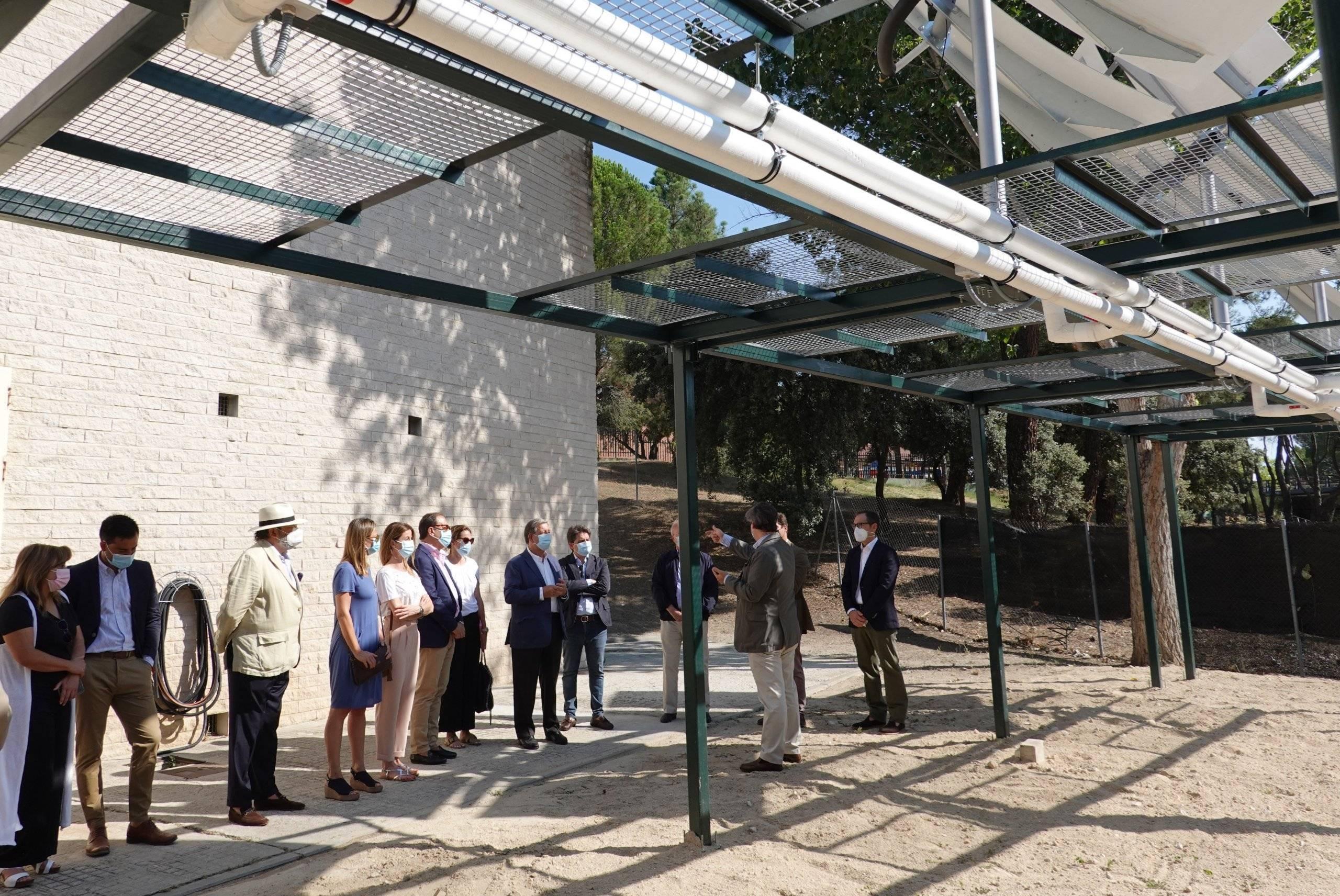 Imagen del acto inaugural de la planta de concentradores solares.