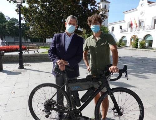 Un joven villanovense recorre 2.600 kilómetros en bici