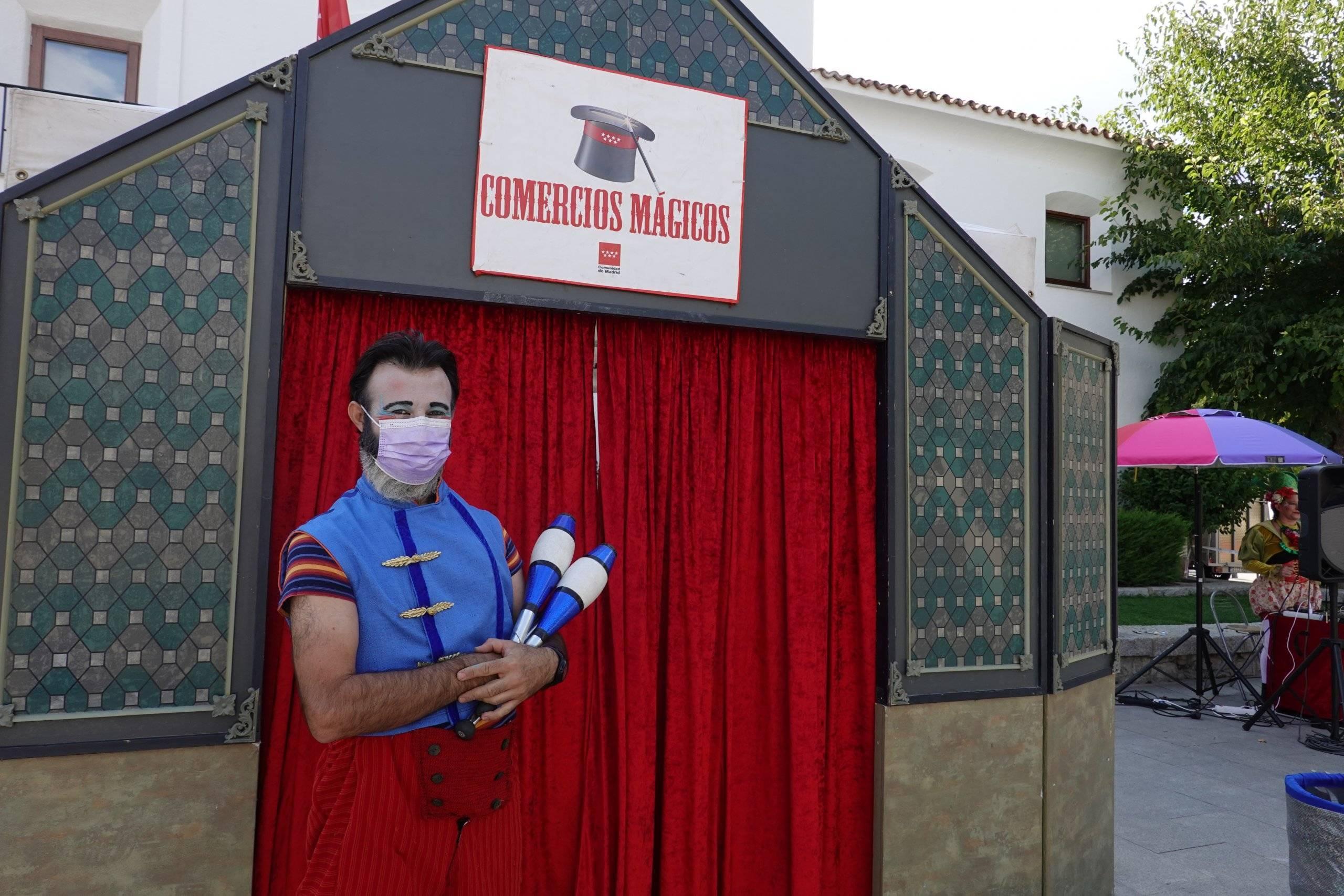 Malabarista de la Feria de la Fantasía.
