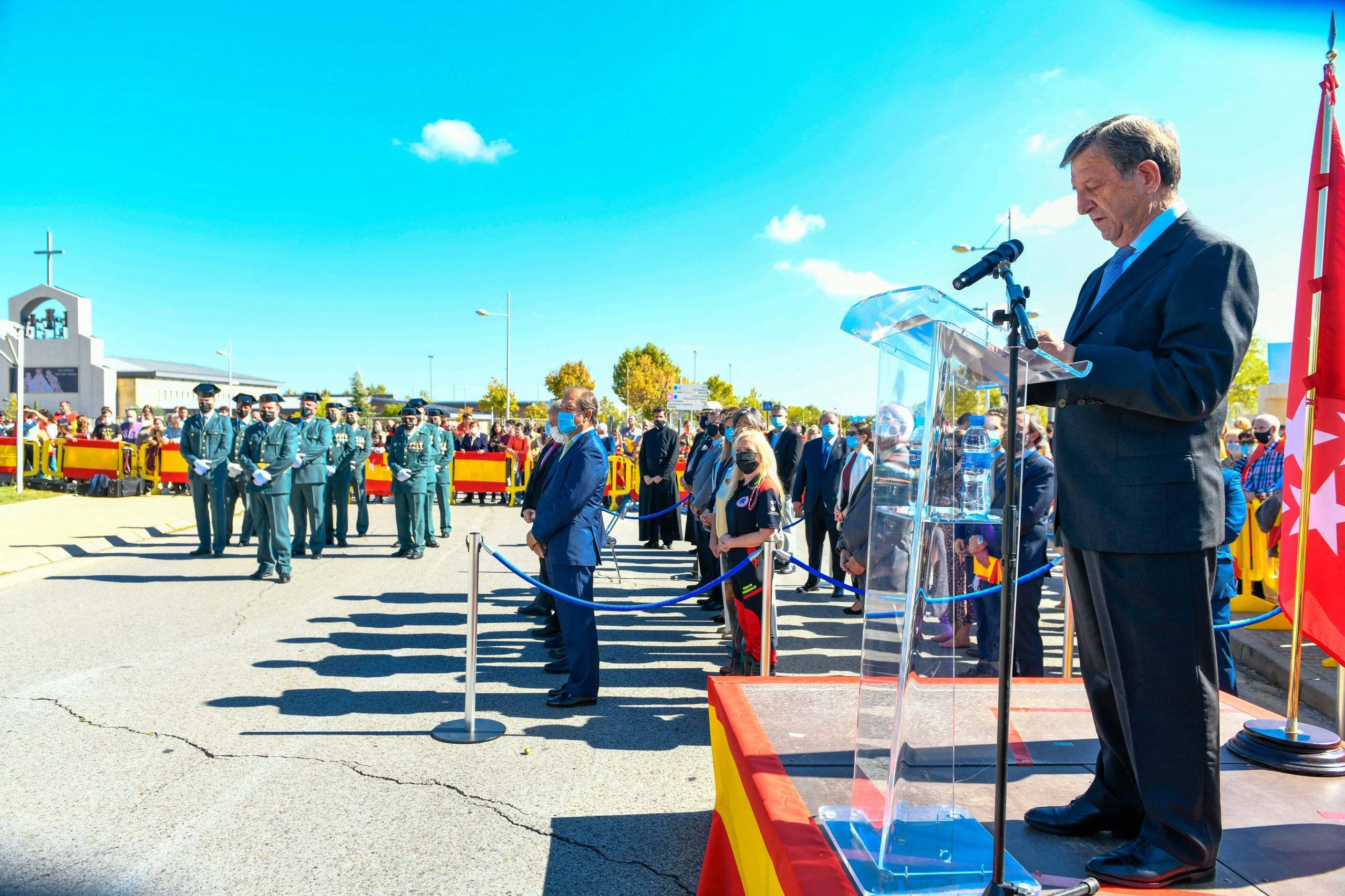 Momento del discurso del alcalde, Luis Partida.